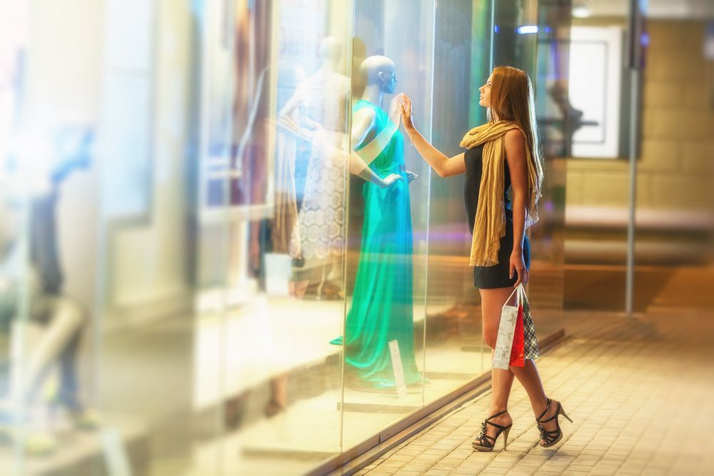 "Watching You Shop: Stores And Mannequins ""Read"" Their ..."