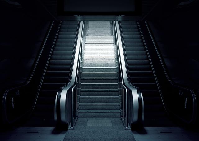 escalator-769790_640