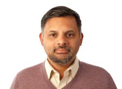 Vidya Phalke Headshot