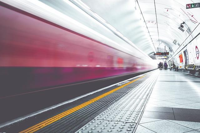 metro-1209556_640